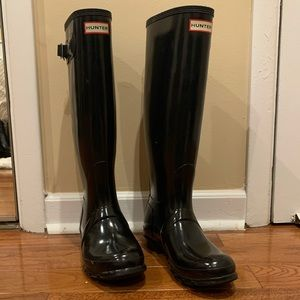 Hunter Women's Tall Gloss Rain Boots: Black